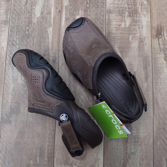 najlepiej sprzedający się dobrze znany bliżej na Crocs swiftwater leather clog roomy fit NWT